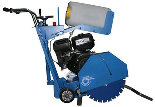 KDF 450 er specielt til skæring i asfalt og beton